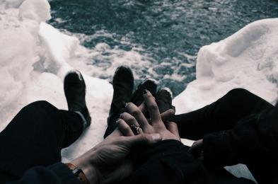 hands-1246598_640